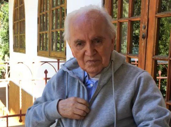 P. Carlos Flores
